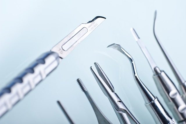 tray of dentist tools